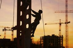 Work Comp Injury – Fall Accidents – Jumping to Lower Level Accident
