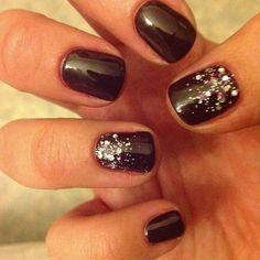 Shellac Nails and Glitter #shellacnails #naildesigns #nails http://naildesignsite.com/shellac-nails/