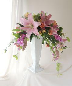 Pink Flower Arrangements, Contemporary Flower Arrangements, Flower Arrangement Designs, Artificial Floral Arrangements, Floral Centerpieces, Artificial Flowers, Wedding Hall Decorations, Flower Decorations, Funeral Arrangements