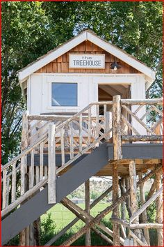 Tree House Plans, Diy Tree House, Adult Tree House, Cool Tree Houses, Backyard Playhouse, Tree House Designs, Backyard For Kids, Play Houses, Home Design