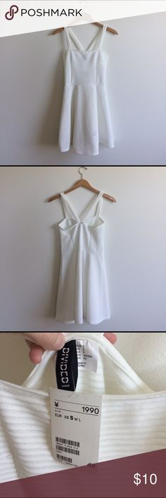 H&M White Dress Brand new, no flaws. Never worn it and still has tags. Just cleaning out my closet. H&M Dresses Asymmetrical