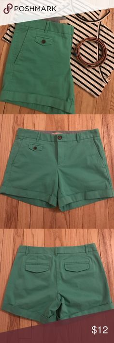 Banana Republic City Chino Shorts Chino shorts. 98% cotton 2% spandex. Banana Republic Shorts