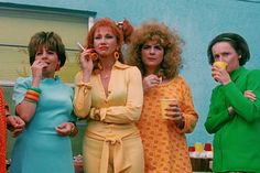 Edward Scissorhands suburban housewives