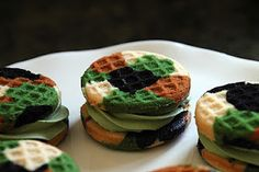 Camo Cupcake sandwiches - green needs to be more olive, less black. Perfect for L's party. Now...where to get a whoopie pie tin?