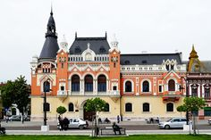 The Greek-Catholic Bishop Palace was built in 1903 under the plans of architect Rimanoczy Kalman Jr in renaissance style with Baroque and Rococo elements. In 1948 the Bishop Palace had been seized and transformed in a folksy school. After that there was installed the County Library (Biblioteca Judeteana). After 1989, the Greek-catholic church got back the bishop palace. Catholic Bishops, Vintage Architecture, County Library, Renaissance Fashion, Commercial Architecture, Castle, Mansions, Palaces, House Styles