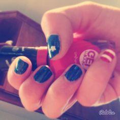 Captain America nail art