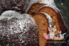 Tem um bolo de banana com ameixas maravilhoso no Teretete Na Cozinha (Teresa Newman) Passem lá! http://www.teretetenacozinha.com.br/2013/04/bolo-de-banana-com-ameixa.html