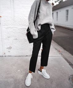 Oversized grey sweater neat black trousers Stan 2019 Oversized grey sweater neat black trousers Stan The post Oversized grey sweater neat black trousers Stan 2019 appeared first on Sweaters ideas. Fashion Mode, Look Fashion, Autumn Fashion, Fashion Trends, Fashion Tips, Womens Fashion, Latest Fashion, Classy Fashion, Cheap Fashion
