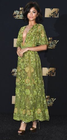 Zendaya in Zuhair Murad attends the 2017 MTV Movie And TV Awards. #bestdressed