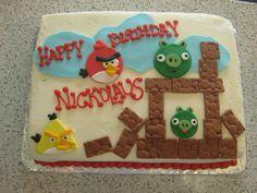 A cute Angry Birds birthday cake