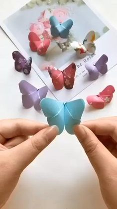 Cool Paper Crafts, Paper Flowers Craft, Paper Crafts Origami, Diy Paper, Crafts For Kids, Origami Flowers, Kids Diy, Origami Butterfly, Butterfly Mobile