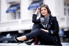 Romanian fashion blogger outfit inspiration: black and white. Black pants, black shoes, black jacket, white blouse and a very beautiful scarf with black and white pattern. Check out the blog for more outfit inspiration.