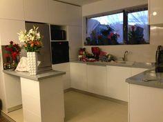 Home Interior Design, Table, Furniture, Home Decor, Decoration Home, Room Decor, Tables, Home Furnishings, Interior Design