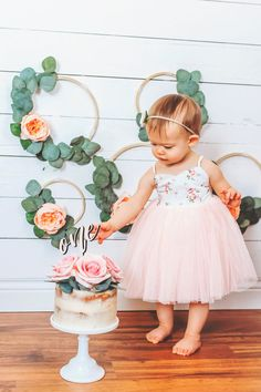 One year birthday photos Family photo outfit ideas . Des moines photographer… One year birthday photos Family photo outfit ideas . Fall 1st Birthdays, Fall First Birthday, 1st Birthday Party For Girls, First Birthday Outfit Girl, One Year Birthday, First Birthday Photos, Cake Birthday, Birthday Ideas, Fall Family Outfits