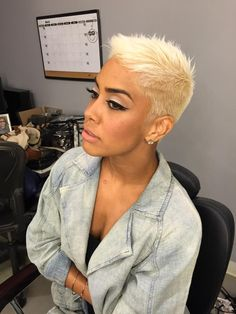 glamorous hair-styles for straight hai Short Sassy Hair, Short Straight Hair, Short Hair Cuts, Short Hair Styles, Funky Hairstyles, Straight Hairstyles, Edgy Haircuts, Glamorous Hair, Short Blonde
