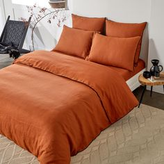 Burnt Orange Comforter, Orange Bedding, Bedroom Orange, Deco Orange, Modern Cabin Interior, Washed Linen Duvet Cover, Percale De Coton, Extra Bedroom, Bedding