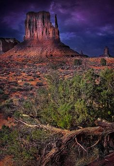 Monument Valley at Dusk Arches Nationalpark, Yellowstone Nationalpark, North Cascades, Great Smoky Mountains, Great Places, Places To See, Monument Valley, Beautiful World, Beautiful Places