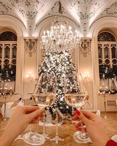 Christmas Decorations, Christmas Tree, Table Decorations, Holiday Decor, Wine O Clock, Holiday Drinks, Christmas Aesthetic, Holiday Photos, Places Around The World