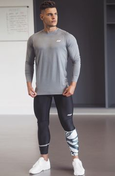 Men in lycra, tights and spandex that drive me WILD Athletic Models, Athletic Outfits, Sport Outfits, Male Outfits, Gym Outfits, Fitness Outfits, Fitness Gear, Gym Gear For Men, Mens Compression Pants