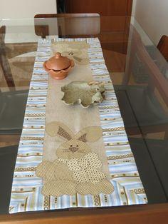 Caminho de mesa Coelho