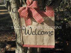 Garden Flag Burlap Garden Flag Hand Painted by TallahatchieDesigns Burlap Garden Flags, Burlap Flag, Burlap Crafts, Decor Crafts, Diy Crafts, Yard Flags, Outdoor Flags, Machine Embroidery Applique, Crafty Craft