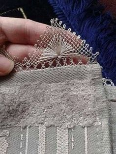 This Pin was discovered by Zey Filet Crochet, Bead Crochet, Crochet Lace, Needle Lace, Bobbin Lace, Yarn Needle, Needle Tatting, Crochet Unique, Beautiful Crochet