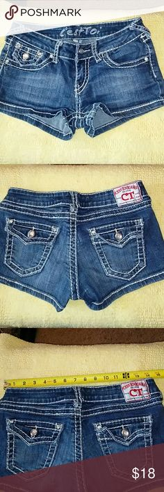 Sz sm CESTOI shorts Awesome pair of shorts in good condition except one bling dad is missing on right pocket as seen in picture 4. No stains no holes CESTOI JEANS Shorts