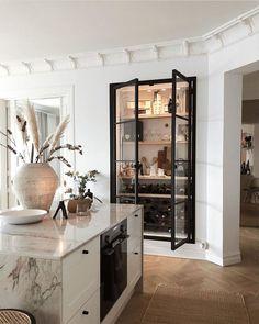 Kitchen Interior, Home Interior Design, Kitchen Decor, Kitchen Ideas, Appartement Design, Steel Doors, Küchen Design, Home Decor Inspiration, Kitchen Inspiration