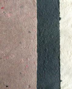 ark farvet med silkemaling, ark af sort pap og ark af abaca