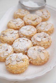 Pink Piccadilly Pastries: Lemon Maids of Honor Tarts Tart Recipes, Baking Recipes, Cookie Recipes, Dessert Recipes, Lemon Desserts, Pastry Recipes, Yummy Recipes, Keto Recipes, Recipies