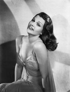 Rita Hayworth was born in Brooklyn, New York in 1918 as Margarita Carmen Cansino Old Hollywood Glamour, Hollywood Actor, Vintage Hollywood, Classic Hollywood, Hollywood Icons, Hollywood Actresses, Rita Hayworth, Brooklyn, Joan Bennett