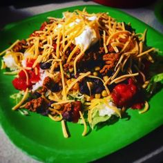 My #homemade #dinnertime #easydinner #katesplate #organic #eatclean #cleaneating #tacosalad #tacotuesday #dayton #daytonlocal #groundturkey #blackbeans