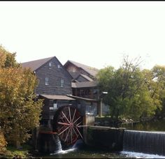 Old grist mill in Pigeon Forge 9/12