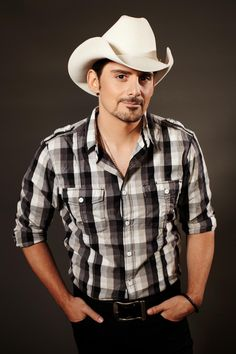 Brad Paisley | Brad Paisley will perform prior to the start of the Daytona 500 ...