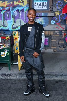 Algee Smith Photos Photos - Algee Smith attends Hip Hop Honors: The Game Changers at Paramount Studios on September 2017 in Los Angeles, California. - Hip Hop Honors: The Game Changers' at Paramount Studios Gorgeous Black Men, Handsome Black Men, Beautiful Men, Cornrow Braids Men, Guys And Dolls, Famous Men, Hippie Outfits, Black Boys, Fine Men