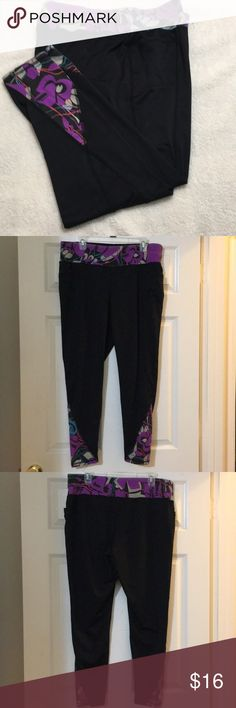 Lane Bryant Livi Active Workout Pants Soft, stretchy and comfortable. Rare front pockets!! & pockets aren't bulky & don't stick out they work great with the pant. Black material in good shape, seams are all good; being a cotton/spandex the colored fabric shows some wash fade it just didn't stay new looking and bright (see pics).  I'm tall with a bit of booty & I prefer the fit of a cropped workout pant.  They're really cute, they do have plenty of rise & cover my booty completely (there's no…