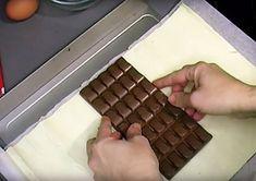 Τυλίγει μια σοκολάτα με ζυμάρι και την βάζει στο φούρνο. Λίγα λεπτά μετά…