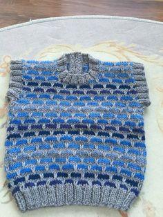 2016 Erkek Bebek Yelek Modelleri Baby Knitting Patterns, Knitting Designs, Knitting Stitches, Baby Patterns, Crochet Patterns, Hand Knitted Sweaters, Knitted Hats, Baby Pullover, Vest Pattern