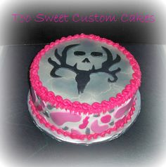 Pink camo & deer hunting- I want this cake! I love it! Birthday is Jan 30th hint hint to Will LOL