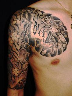 太鼓,五分袖,虎,桜,ブラック&グレーのタトゥーデザイン|タトゥーナビ