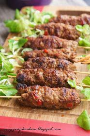 moje pasje: Szaszłyki bałkańskie cevapcici - kebabczeta Grilling Recipes, Meat Recipes, Fall Recipes, Cooking Recipes, Healthy Recipes, Cevapcici Recipe, Good Food, Yummy Food, Best Appetizers