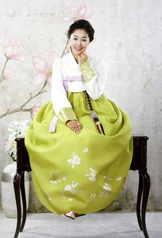Korean traditional dress(HANBOK) Maybe if I beg my Dad will buy me this one! Filial Piety works, I'm the favourite.lol (and some aegyo) Korean Traditional Dress, Traditional Fashion, Traditional Dresses, Vogue Korea, Korean Dress, Korean Outfits, Korean Clothes, Green Fashion, Asian Fashion