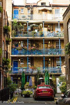Backcourt off New Oxford Street | London