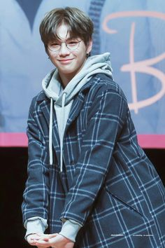 #WannaOne #KangDaniel #Fansign #171118 #NothingWithoutYou