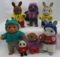 Knitting pattern: Sylvanian Families Calico Critters clothes 'Playing' - ebay