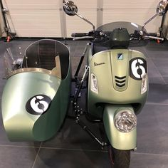 "Sincere Limited Edition on Instagram: ""Vintage is always Valuable! Piaggio Vespa GTV 300 sei giorni sidecar #vespa #vespa #sidecar #3wheel 🇮🇹 🇰🇭 #vespagts300 #vespagtv300…"" Vespa Gts 300, Vespa Gtv, Piaggio Vespa, 3rd Wheel, Sidecar, Cafe Racers, Motogp, Wheels, Garage"