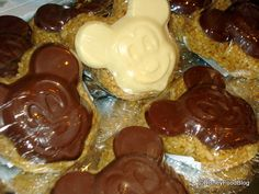 """""""The Best Thing I Ever Ate in Disney!"""": Snacks and Drinks 