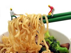 Tiny people working with noodles Miniature Photography, Toys Photography, Macro Photography, Levitation Photography, Water Photography, Abstract Photography, Minis, Miniature Calendar, Nan Goldin