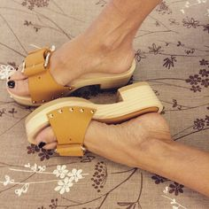 dantes-journal:  #Clogs in cuoio EQUITARE!!!