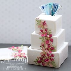 Hochzeit, Torte, Artisan, Blog Hop, Stampin' Up!, Spardose, Geschenkschachtel Falz- und Stanzbrett, Pflanzen-Potpourri, Stempelwiese Hops Wedding, Wedding Cards, Wedding Gifts, 3d Paper Crafts, Diy Paper, Stampin Up, Envelope Punch Board, Paper Cake, Craft Box